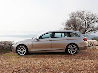 2011 BMW 5 Series Touring 12 2011 BMW 5 Series Touring photos, pictures, reviews