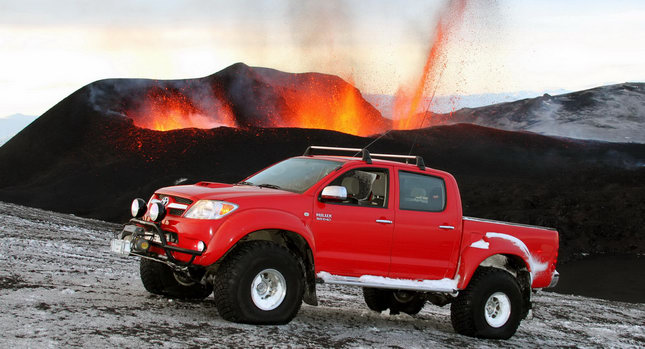 Toyota Hilux Iceland Volcano 01 Toyota Hilux Tackles Icelands Eyjafallajökull Volcano Hours Before Eruption