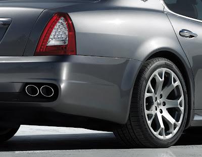 2004 Maserati Quattroporte. Maserati Quattroporte 2009