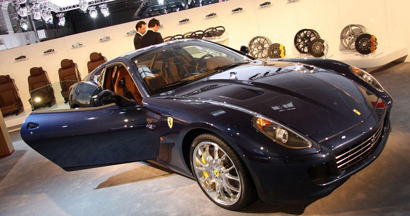 Ferrari-Paris-Show_7.jpg