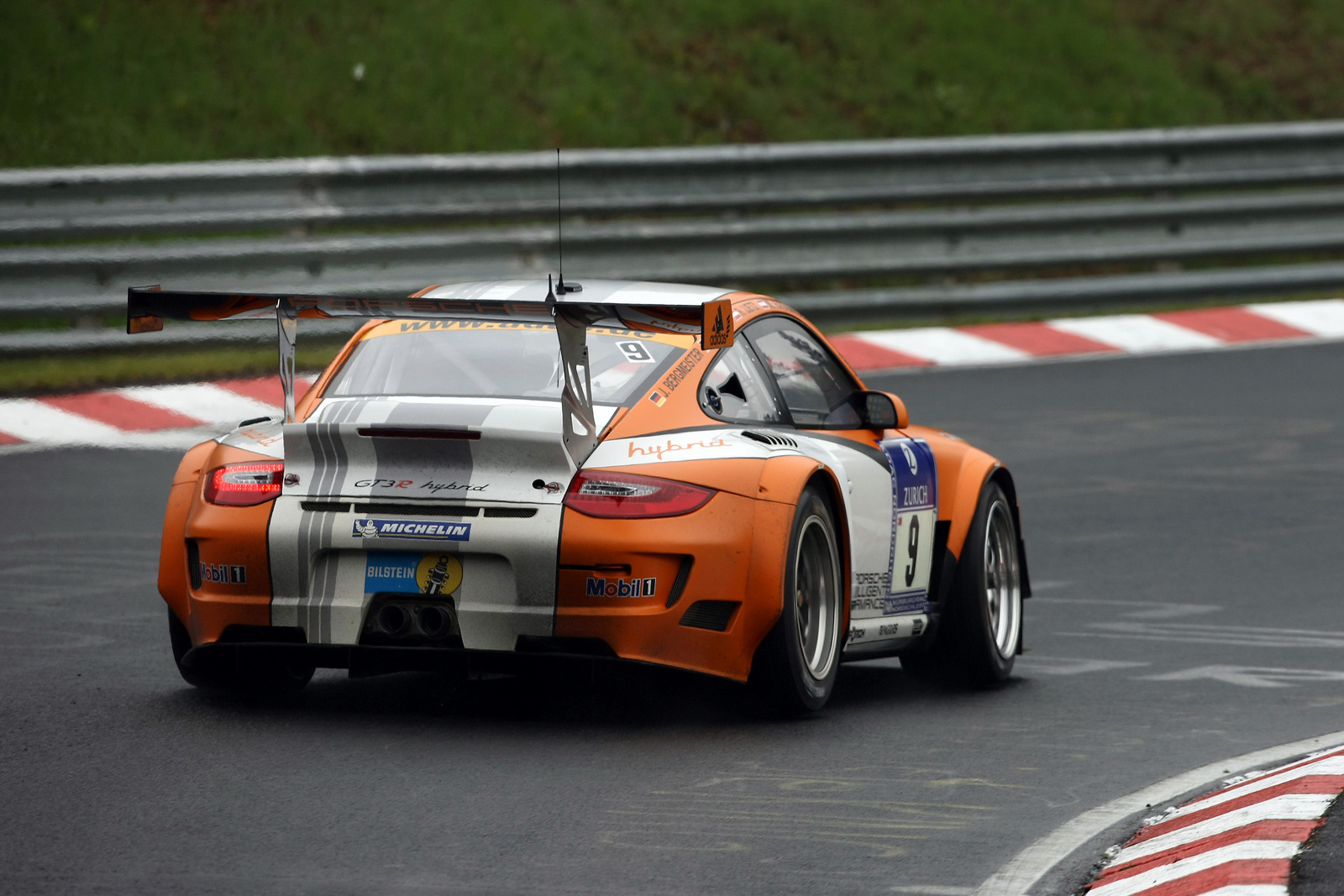 bmw s m3 gt2 snatches victory from porsche s 911 hybrid at n rburgring 24 hou. Black Bedroom Furniture Sets. Home Design Ideas