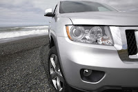 2011 Jeep Grand Cherokee 11 Jeep Releases New Photos and Video of 2011 Grand Cherokee Photos Videos