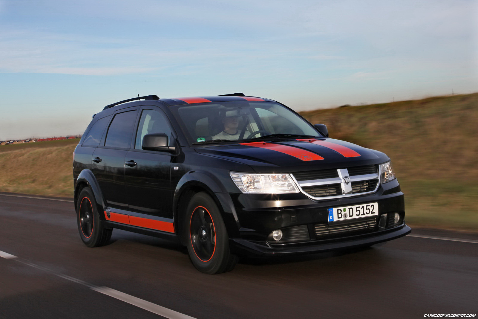 the car 2011 dodge journey sr rally look special by irmscher. Black Bedroom Furniture Sets. Home Design Ideas
