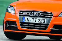 2011 Audi TTS 12 New Photos of Facelift Model Photos