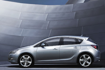 2010 Opel Astra Vauxhall Carscoop