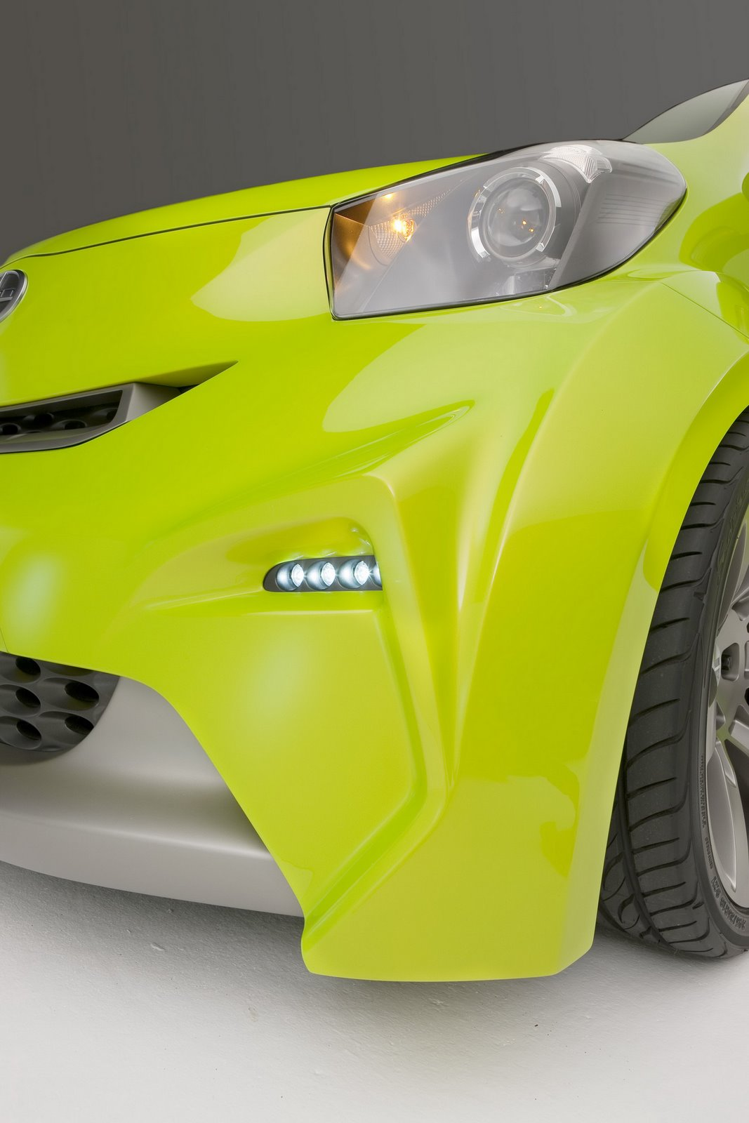 Car Reviews Scion Reveals Iq Concept Pimped By Five Axis In New York Gallery With 70 High