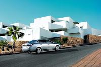 New Renault Latitude Sedan Takes Flagship Spot in Range Photos