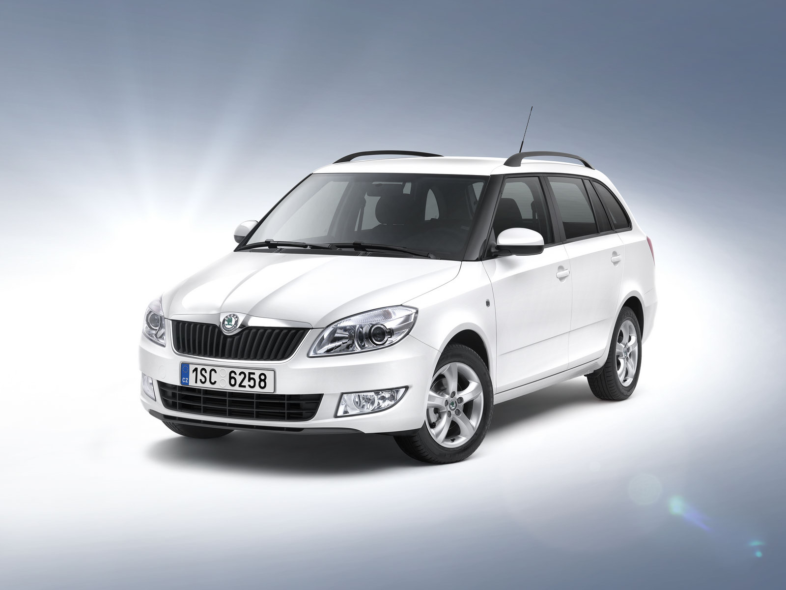 auto cars 2011 2012 new skoda fabia estate greenline with and 89g km of co2 priced at. Black Bedroom Furniture Sets. Home Design Ideas