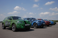 2012 Range Rover Evoque Prototypes 19 Land Rover raps Evoque Prototypes in Funky Camouflage and Hits the StreetsWraps Evoque Prototypes in Funky Camouflage and Hits the Streets