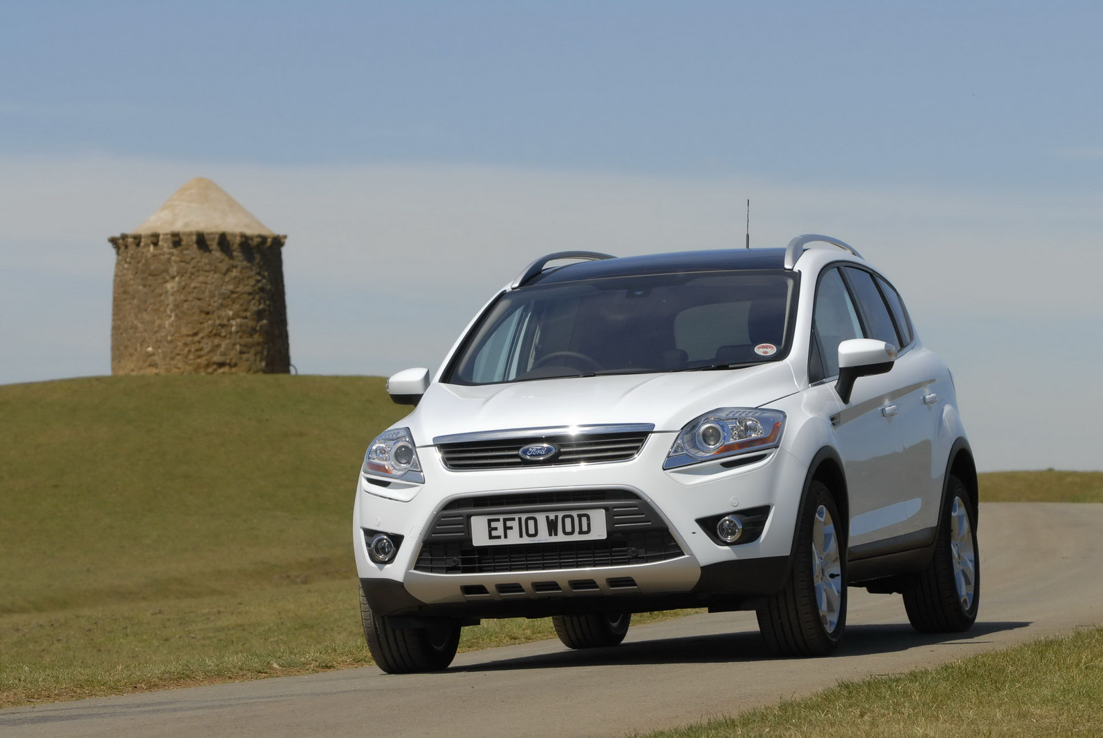 Ford updates kuga with new 2 0 liter diesel engines and individual trim