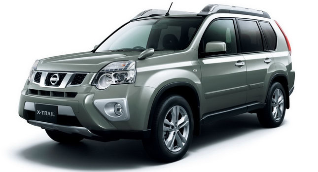 Nissan X Trail Suv Facelift Breaks Cover In Japan