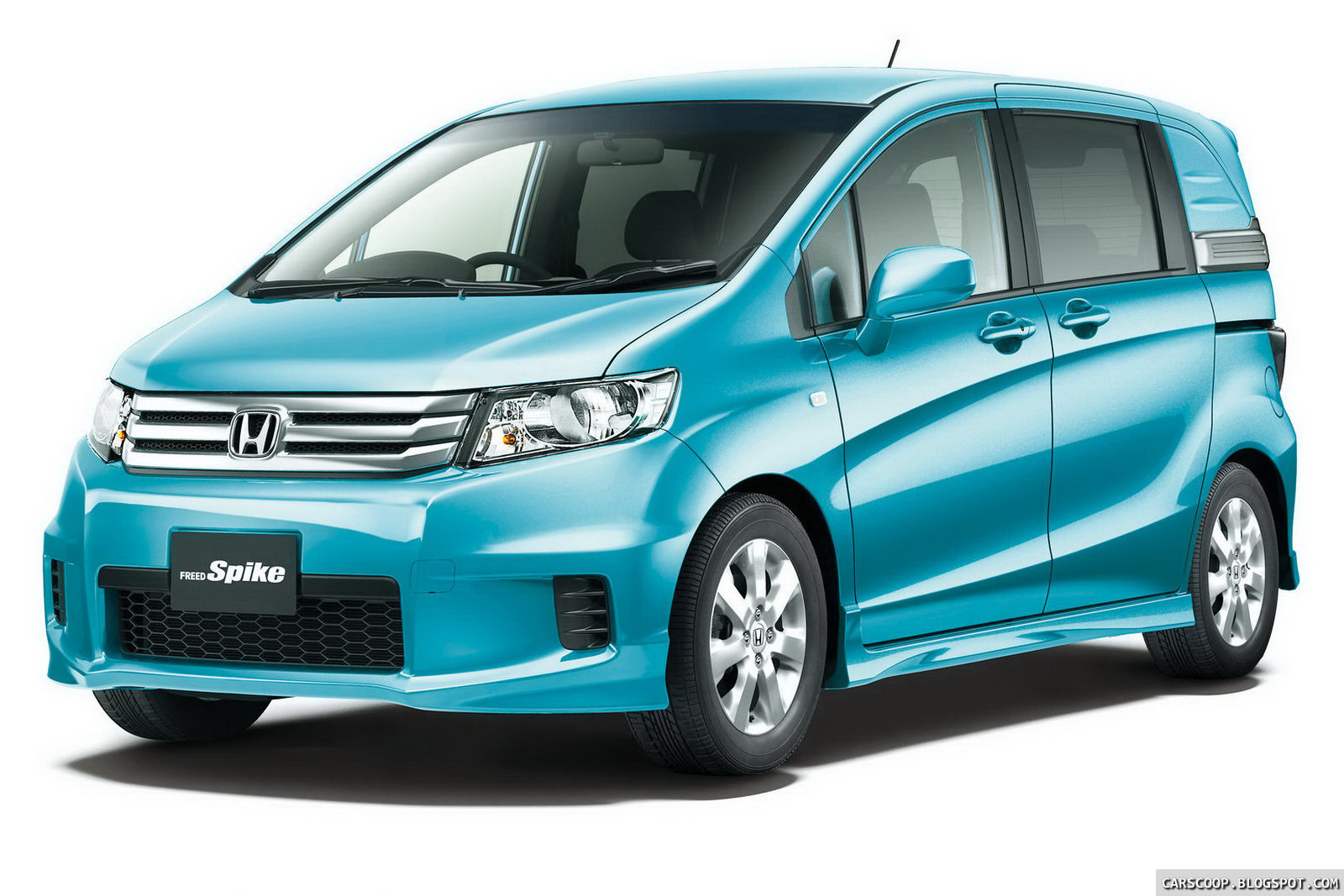 new honda freed spike lifestyle minivan debuts in japan. Black Bedroom Furniture Sets. Home Design Ideas