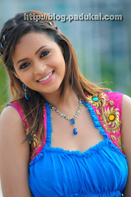 Telugu Heroine Bhavana cute smiling lovely still