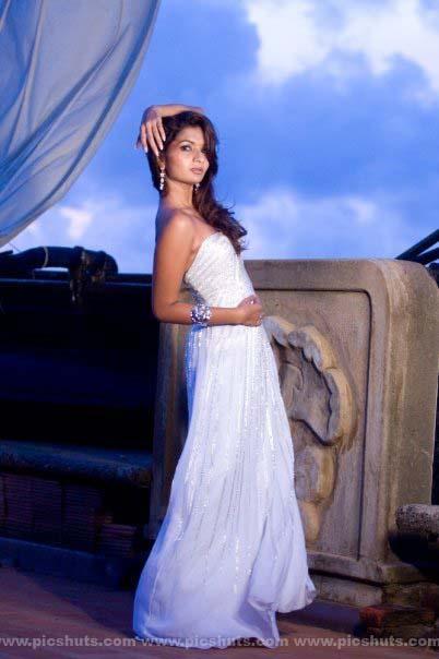 [Gamya_Prasadini_10_asiachicks.blogspot.com.jpg]