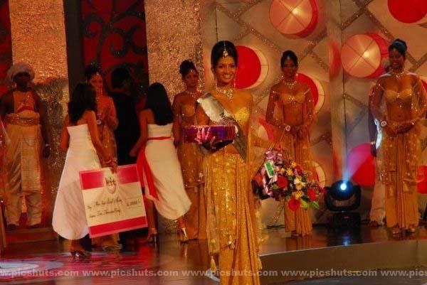 [Gamya_Prasadini_2_asiachicks.blogspot.com.jpg]
