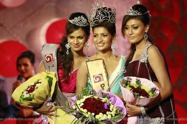 [Gamya_Prasadini_1_asiachicks.blogspot.com.jpg]