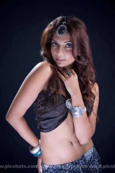 [Gamya_Prasadini_8_asiachicks.blogspot.vom.jpg]