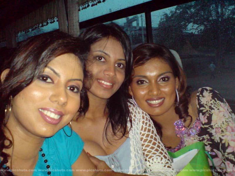 [Rasangika_Madushani_13_asiachicks.blogspot.com.jpg]