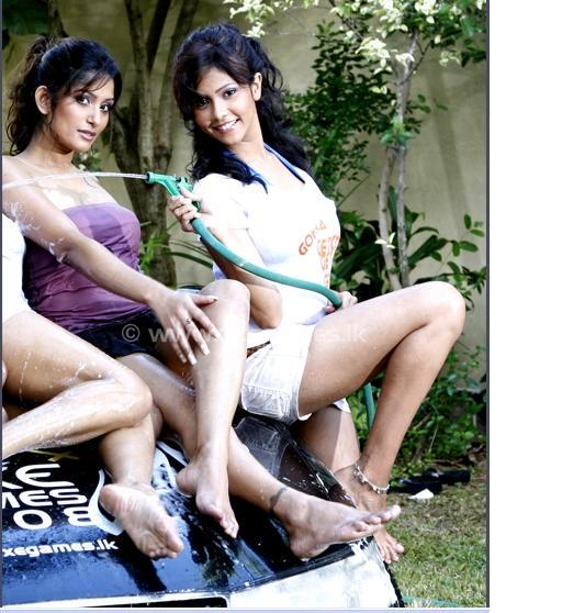 car wash girl bugil