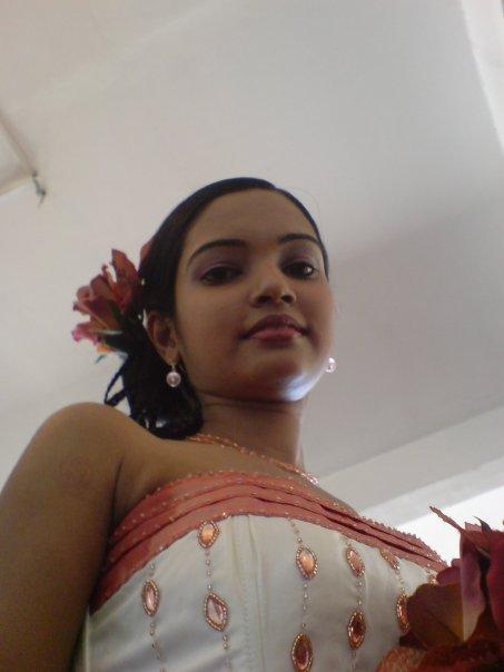 http://2.bp.blogspot.com/_FpC-eLEpDtM/TAfnMo1KJmI/AAAAAAAAdgA/i-m4rHvWZ_k/s1600/Chami_Dilrukshi_6_asiachicks.blogspot.com.jpg