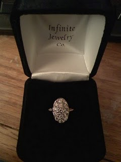 http://2.bp.blogspot.com/_Fr5jtSt05Hg/S9RRkN3X0ZI/AAAAAAAAakI/lVv9CkA4ga4/s1600/bella-swan-engagement-ring-gallery%5B1%5D.jpg