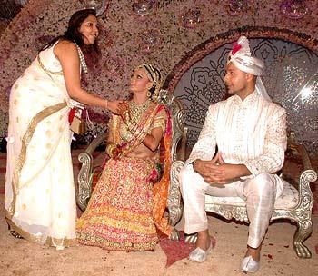 Bollywood Couples Wallpapers Rakhi Sawant Wedding Pics