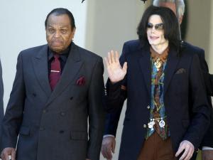 Wawancara Pertama Keluarga Jackson di Media