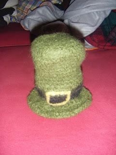 Free craft patterns!: Crocheted & felted Leprechaun hat