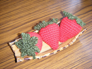 free crochet patterns: crocheted strawberry