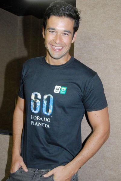 Un 4 de febrero de 1981 es actor y modelo de brasil como actor