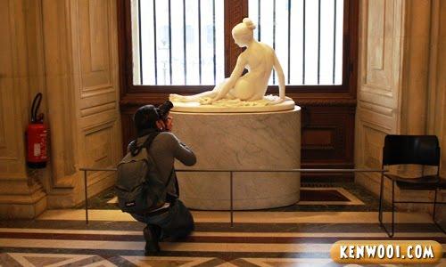 lourve museum sculpture