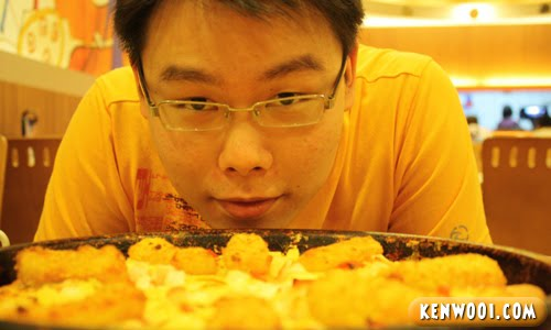 delicious fish king pizza
