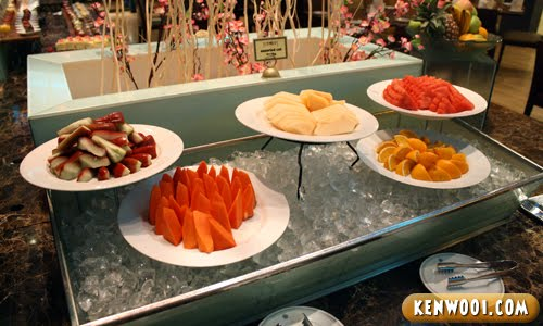 assorted fruits table
