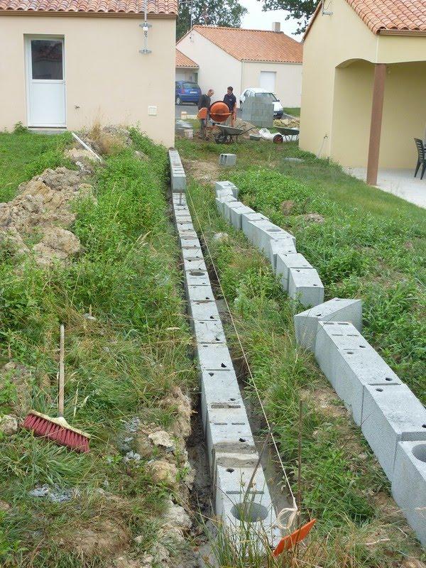La maison k tanou les murs mitoyens - Ferraillage fondation muret ...