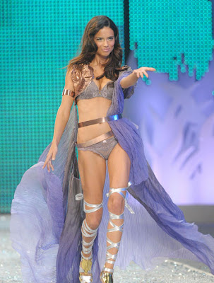 Adriana Lima en Victoria Secret