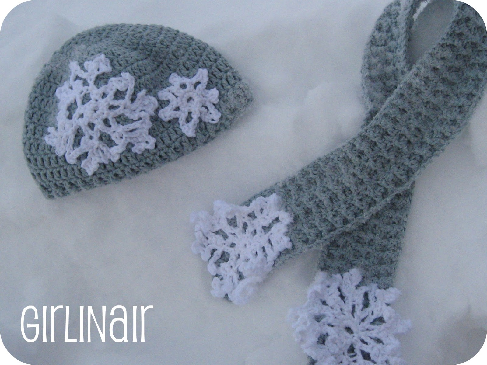 Crochet Patterns For Scarf And Hat : Girl in Air BLOG: Snowflake Hat and Scarf FREE Pattern and ...