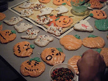 Emmm decorating cookies