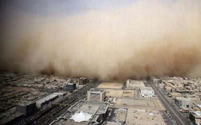 http://2.bp.blogspot.com/_Fzq94YVbHHM/SbkhLTSBLfI/AAAAAAAAaKc/OLKt9zubp1E/s400/sandstorm_06.jpg