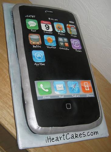 [apple-birthday-cakes-11.jpg]