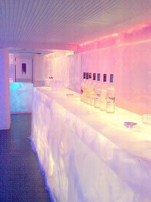 Fresh pics ice bars around the world for Kube hotel london