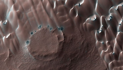 ���� ���� ����� ���� ���� mars_landscapes_24.jpg