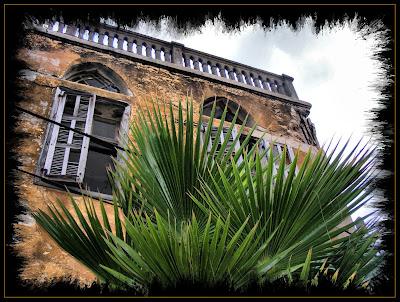 старинная арабская постройка