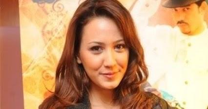 Nur Azizah   Facebook