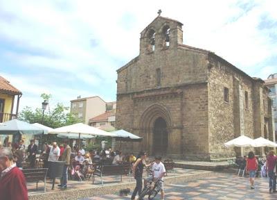 Avilés, iglesia de Sabugo, portada