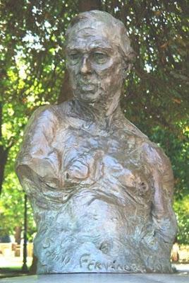 Oviedo, escultura Sabino Fernández Campo