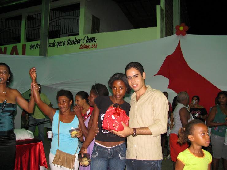 ADRIANO E UMA MÃE