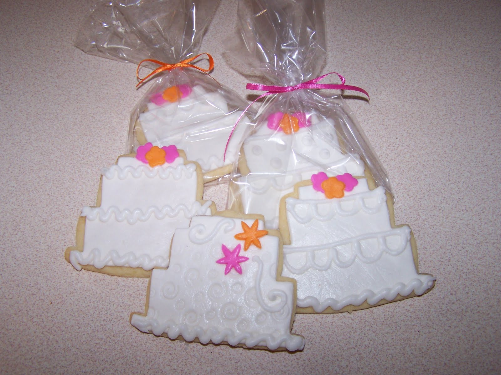 Julie Daly Cakes: Wedding Cake Cookie Favors