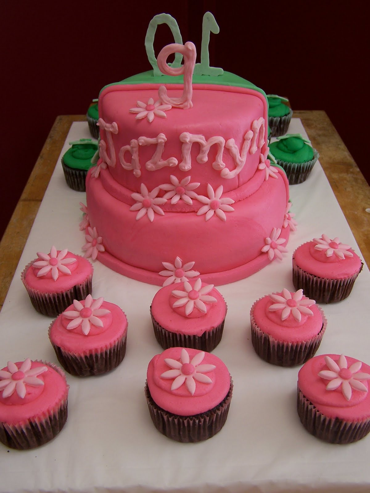 Julie Daly Cakes: 2010