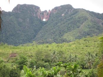 Gunung Tembus,