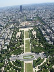 Paris, atop tour eiffel
